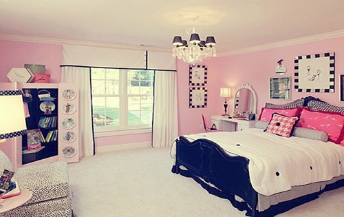 Beautiful bedroom ideas for women with cute color paints for Beautiful room design for girl