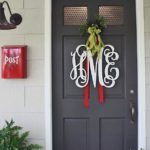 Tips To Decorate Your Front Door For Christmas 3
