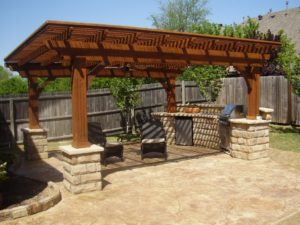 Outdoor kitchen roof design