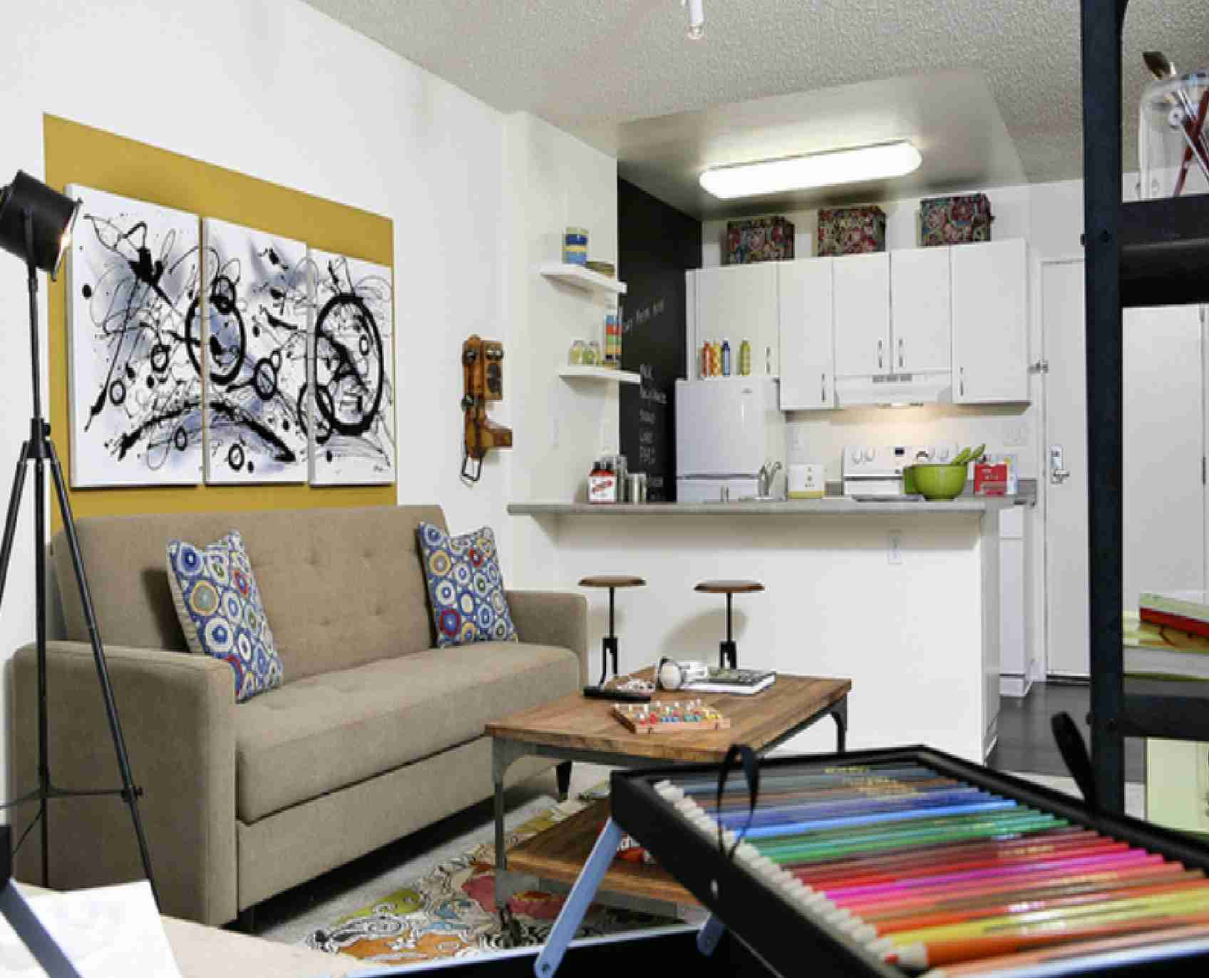 Basic Decorating Ideas for Small Spaces - Bee Home Plan ...