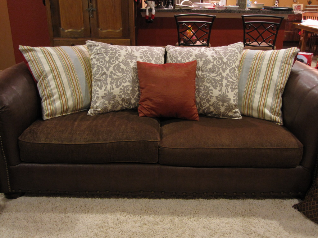 How Many Throw Pillows On A Sectional Couch : Best Sofa Pillows Design 2017 - Bee Home Plan Home decoration ideas
